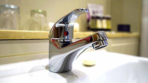 Badkamerreiniging - Schoonmaak en glazenwasserij JH Heiligerlee