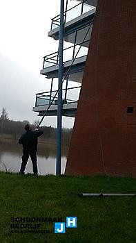 Telescoopbewassing Schoonmaak en glazenwasserij JH Heiligerlee