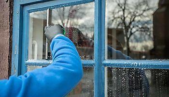 Streeploos schone ramen Schoonmaak en glazenwasserij JH Heiligerlee